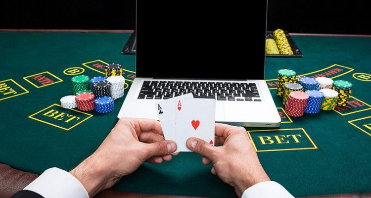 How to play online poker like a pro?