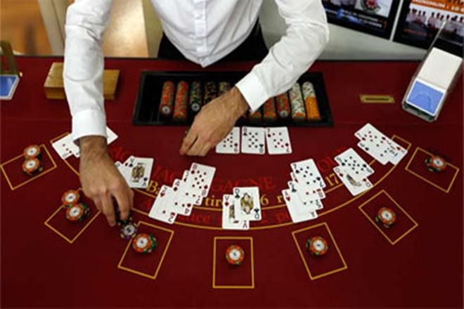 Eight Key Ways The pros Use For Gambling